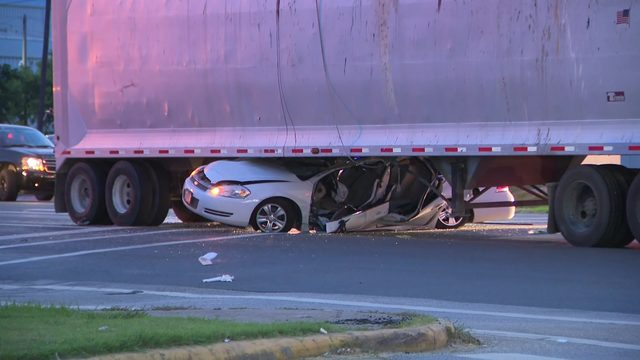 Chase ends with car pinned under 18-wheeler after driver blows through…