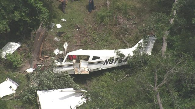 1 Killed, 1 Injured in Plane Crash
