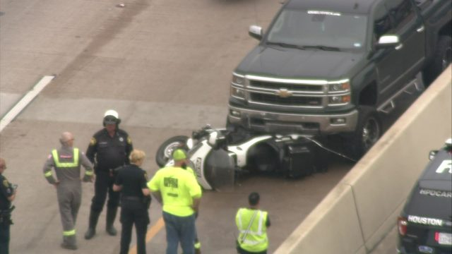 Motorcycle officer injured in crash in northeast Houston