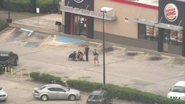 Suspect shot, another in custody after chase in SW Houston, police say
