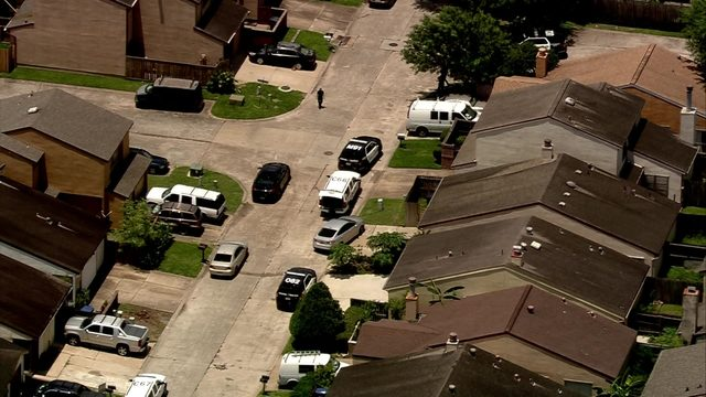 Man opens fire on ambulance crew near Alief, officials say