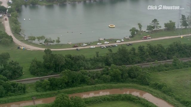 SKY2 flies over scene of drowning in Manvel