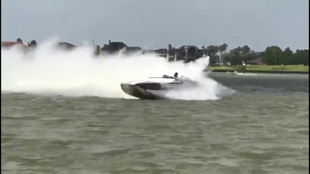 Boat crash caught on camera during Texas Outlaw Challenge in Clear Lake