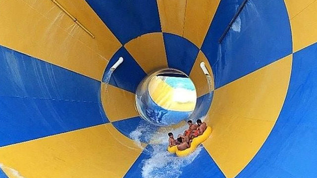 Discover Houston water parks: Lots of family water fun at Hurricane…