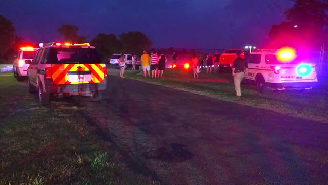 2 killed, 8 injured after two boats collide in Chambers County, officials say