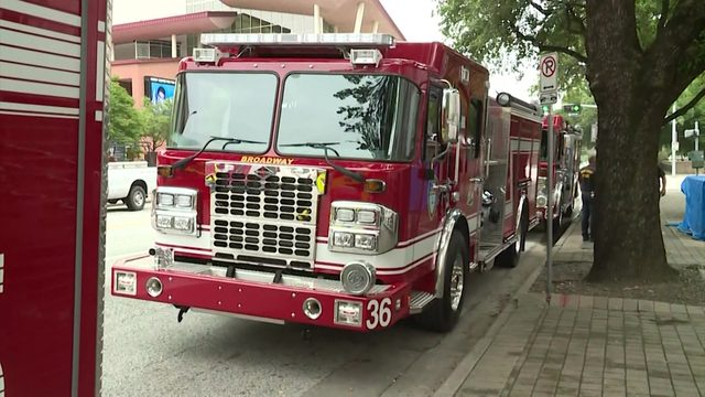 KPRC questions HFD chief, mayor about fire engine deployment