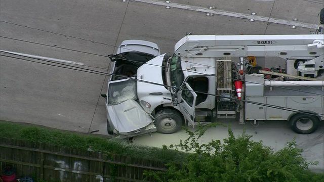 1 killed in crash involving CenterPoint Energy truck in Greenspoint,…