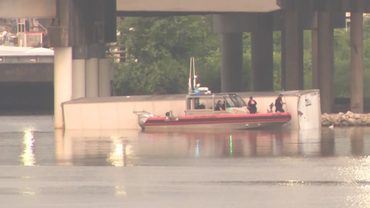 18-wheeler that flew off East Freeway bridge will stay in