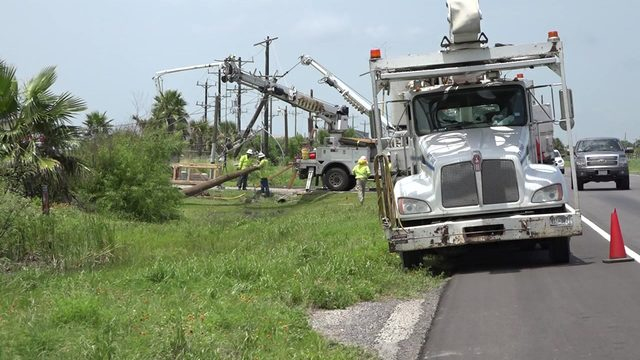 Strong storms leave thousands without power on Bolivar Peninsula