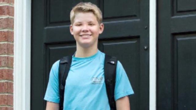 Teen flying alone put on wrong out-of-country flight