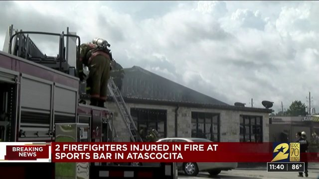 2 firefighters injured in fire at Atascocita sports bar