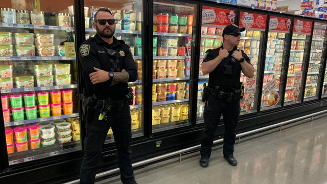Bellaire officers guard Blue Bell ice cream in viral photo following…