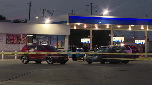He said, she said: South Loop incident leads to shooting at gas station,…