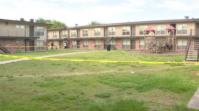 4 shot after armed men storm apartment complex courtyard, open fire