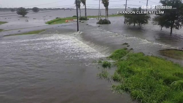 Barry Plaquemines Parish levee overtopped