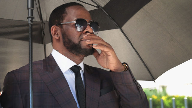 Judge orders R&B singer R. Kelly held in jail without bond on sex crime charges