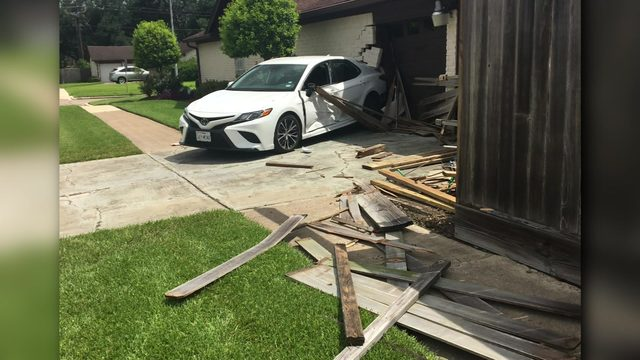 Driver hits car and house, takes off