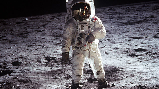 5 photo galleries that capture the historic moments of Apollo 11