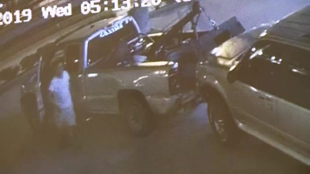 Thief uses tow truck to steal vehicle outside doctor's office in…