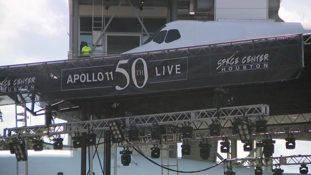 Hundreds gather for Space Center Houston's Apollo celebration