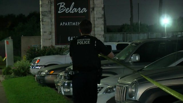 2 arrested after officer-involved shooting, chase, crash in southwest Houston