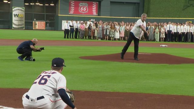 Neil Armstrong's son throws first pitch at Minute Maid Park for Apollo 11 night
