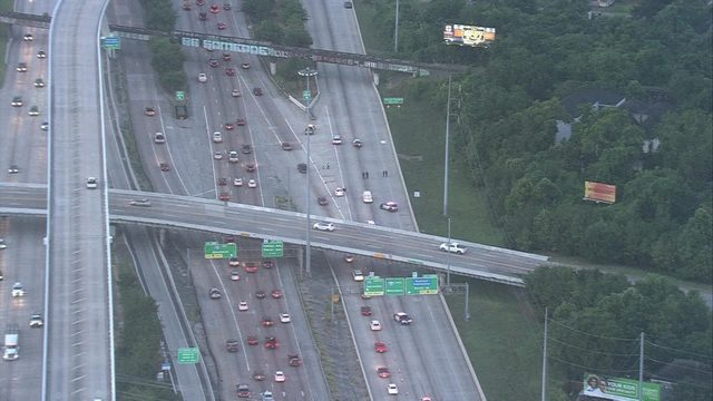 Fatal crash closes eastbound I-10 at I-45