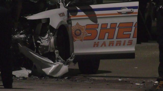 Person in custody killed, 2 deputies injured in Westpark Tollway wrong-way crash
