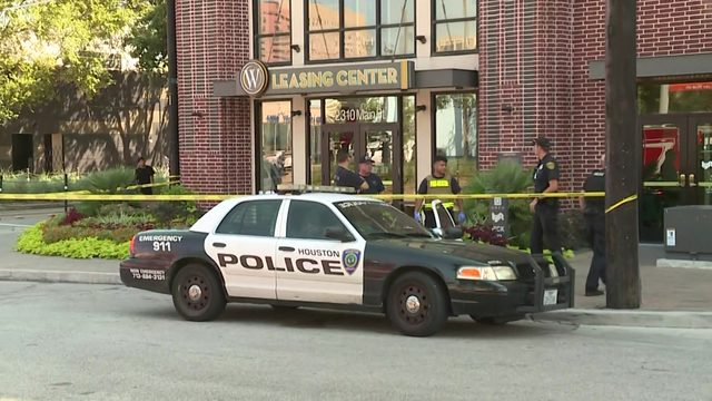 Shootout spills out into Midtown streets after robbery, police say