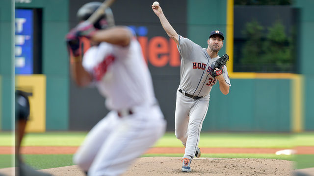 Justin Verlander dominates as Astros blank Indians 2-0