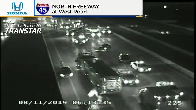 At least 1 dead, 6 vehicles involved in crash on North Freeway, police say