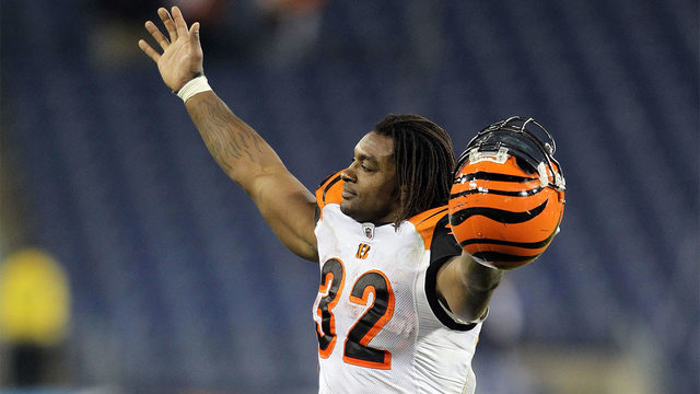 Former teammates, NFL players react to death of Cedric Benson