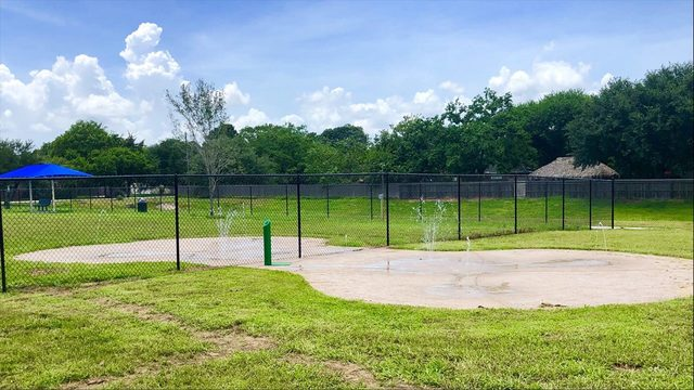 Fur baby parents, rejoice! Friendswood's first off-leash dog park opens