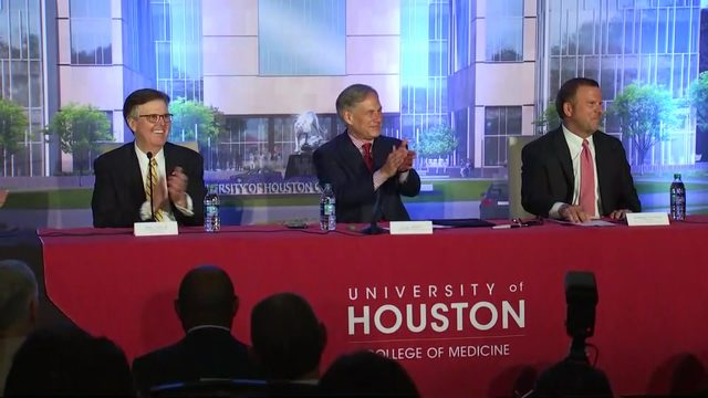 Gov. Gregg Abbot signs bill into law to establish University of Houston…