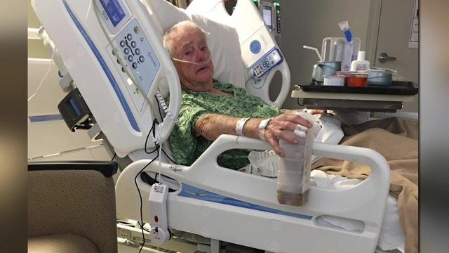 Grandfather injured in shopping center robbery