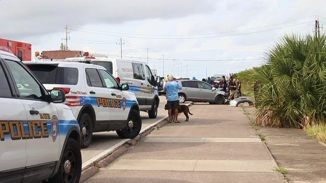 Fleeing driver crashes into 2 patrol vehicles, another vehicle on…