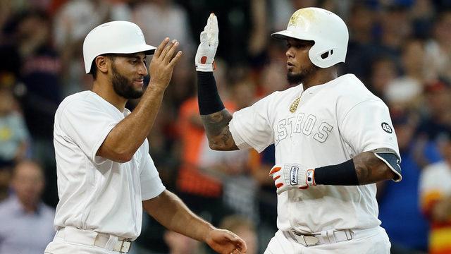 Altuve homers in big inning, Astros beat Angels 11-2