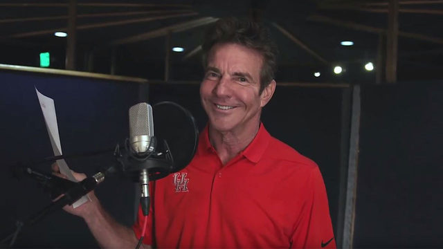 Actor, alumnus Dennis Quaid makes appearance in UH national commercial
