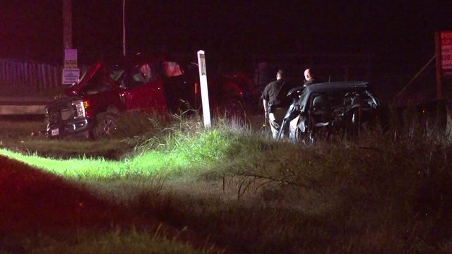 Man killed in crash after running stop sign near Needville, deputies said