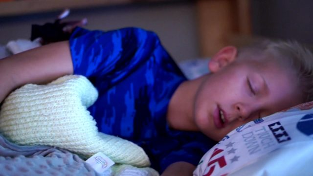 Weighted blankets: Good or bad for kids?