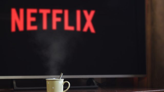 10 Spanish-speaking TV shows you should be streaming on Netflix