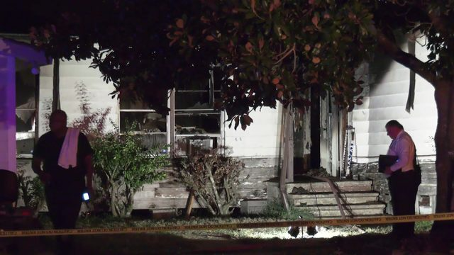 Man killed in massive house fire in Waller County