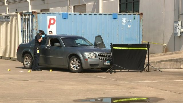 Man found shot to death in southwest Houston