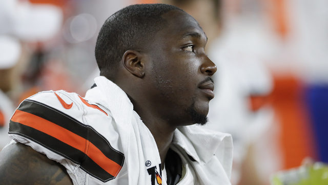 Girlfriend of Browns DE Chris Smith killed in roadside accident