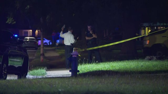 Manhunt underway after officer shot in Houston's South Side, police say