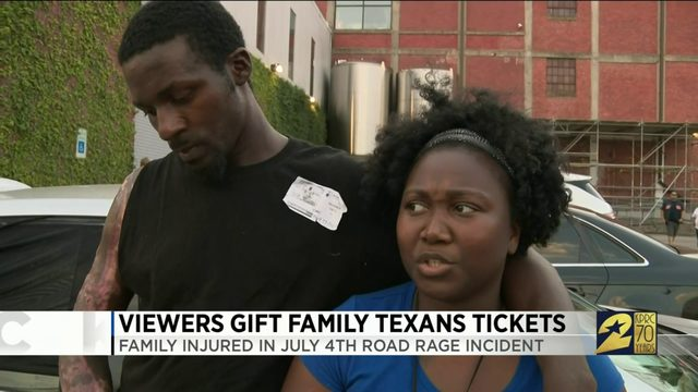 Viewers gift family Texans tickets