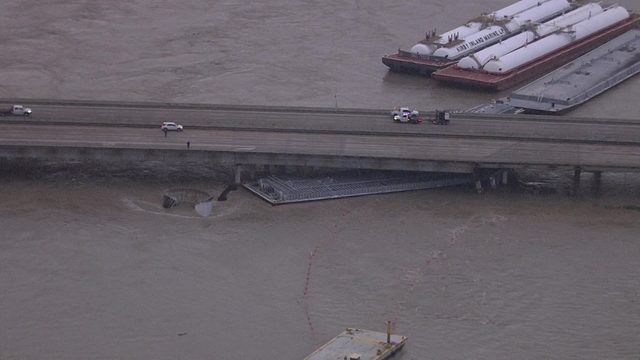 East Freeway shut down at San Jacinto River after barges break loose, hit bridge