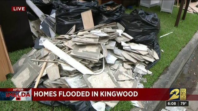 Homes flooded in Kingwood