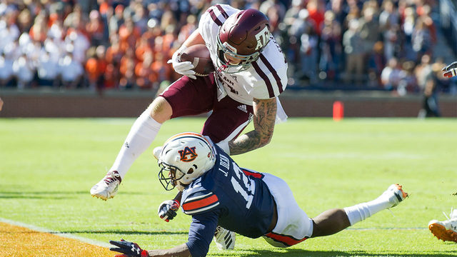 Nix helps No. 8 Auburn over No. 17 Texas A&M 28-20