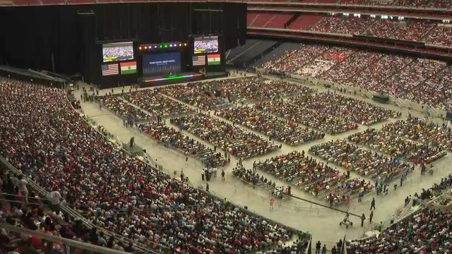 More than 50,000 people along with President Donald Trump attend 'Howdy…